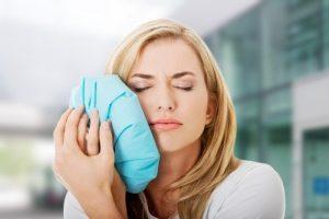 كمادات لتسكين ألم الأسنان