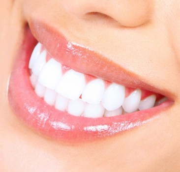مميزات عملية زراعة الاسنان